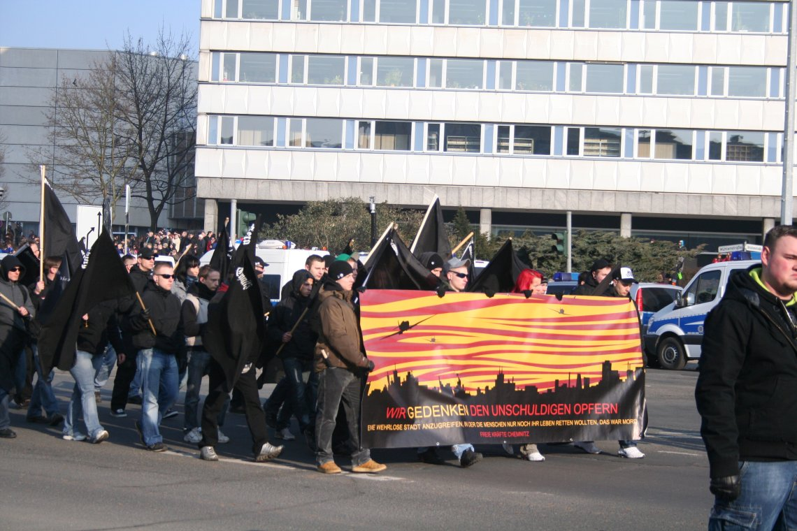 Der Anfang der Nazi-Demo